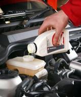 Wymiana płynu i odpowietrzenie układu hamulcowego w Fordzie Focusie MK1.